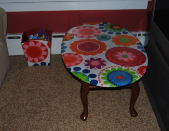 So Happy Together!  1960's Mod Style Coffee Table And Mini Toy Box.