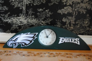 Sports Fan Clock made with Mod Podge