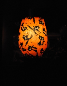 DIY Decorative Halloween lamp made with Mod Podge and fabric