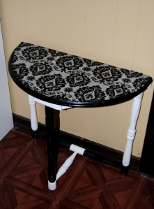 Restyled Half Moon Table using Mod Podge and Fabric