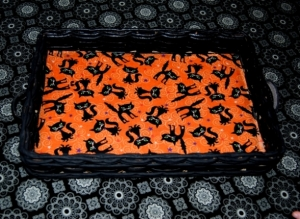 Upcycled Halloween Candy Tray-Black Cats