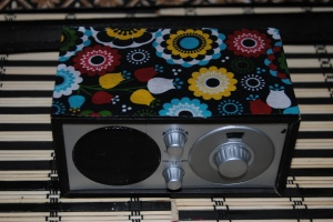 Mod Mini Radio Decoupage