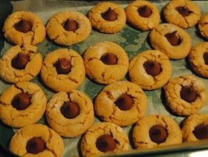 peanut butter blossum cookies